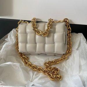 SOLD BOTTEGA VENETA Chain Cassette white gold